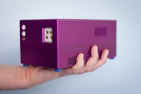 hand-held real-time PCR thermocycler